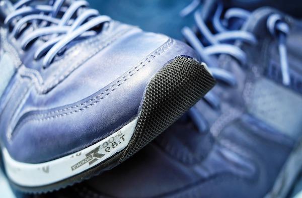 Paire de chaussures de sport