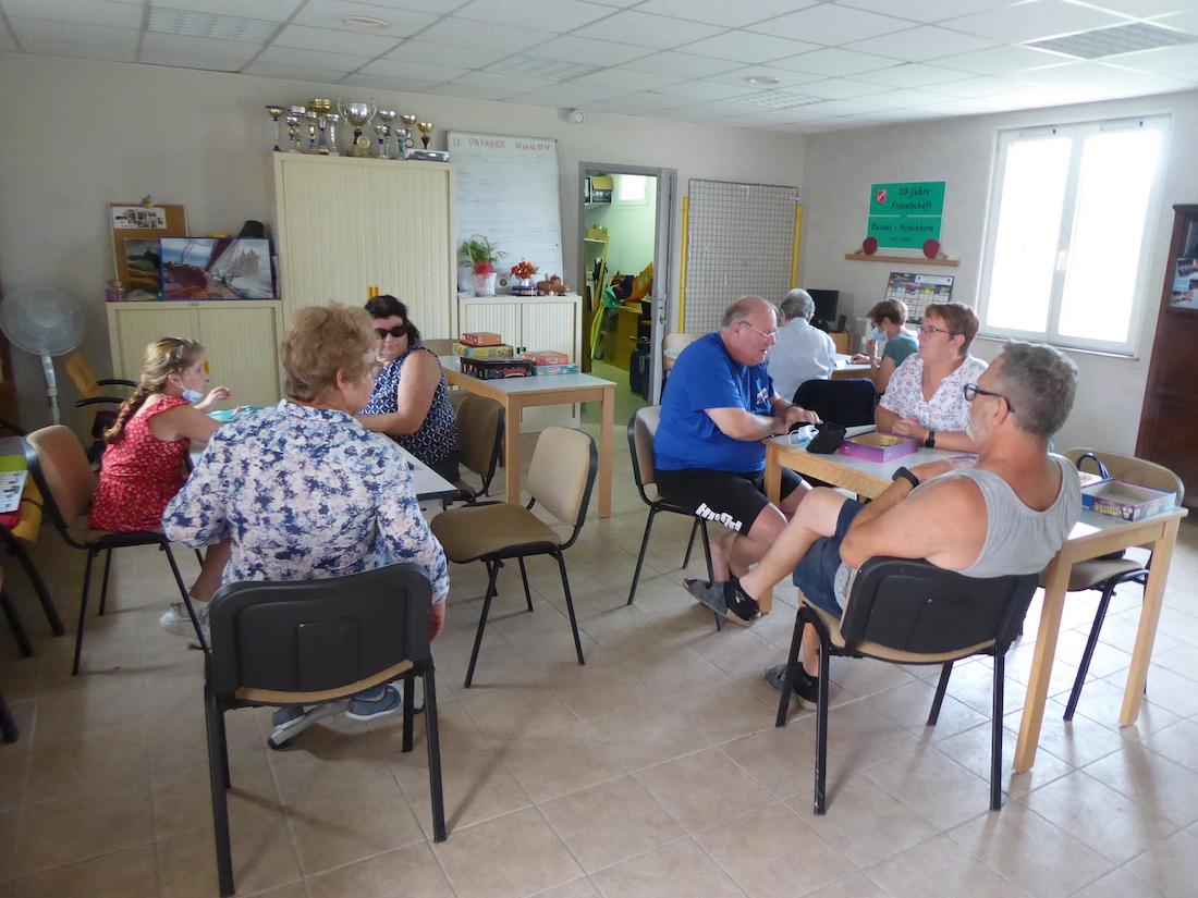 Jeux de societe au foyer rural de Pavant
